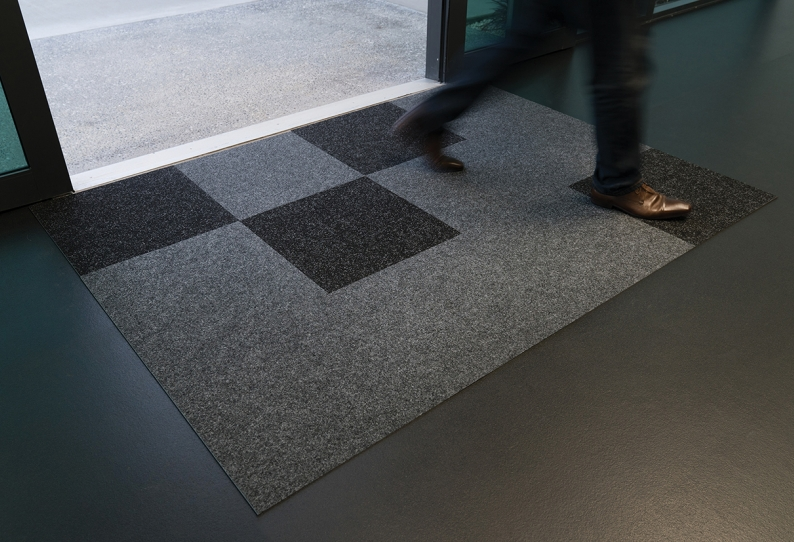 Dimension Entry Tile Mat