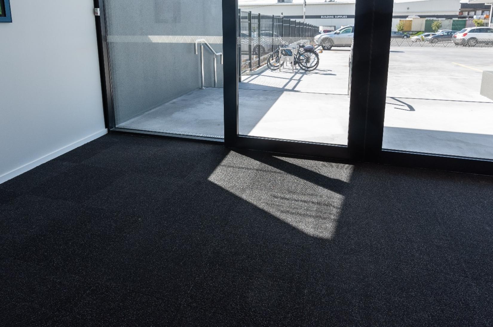 Gecko Entrance Tile