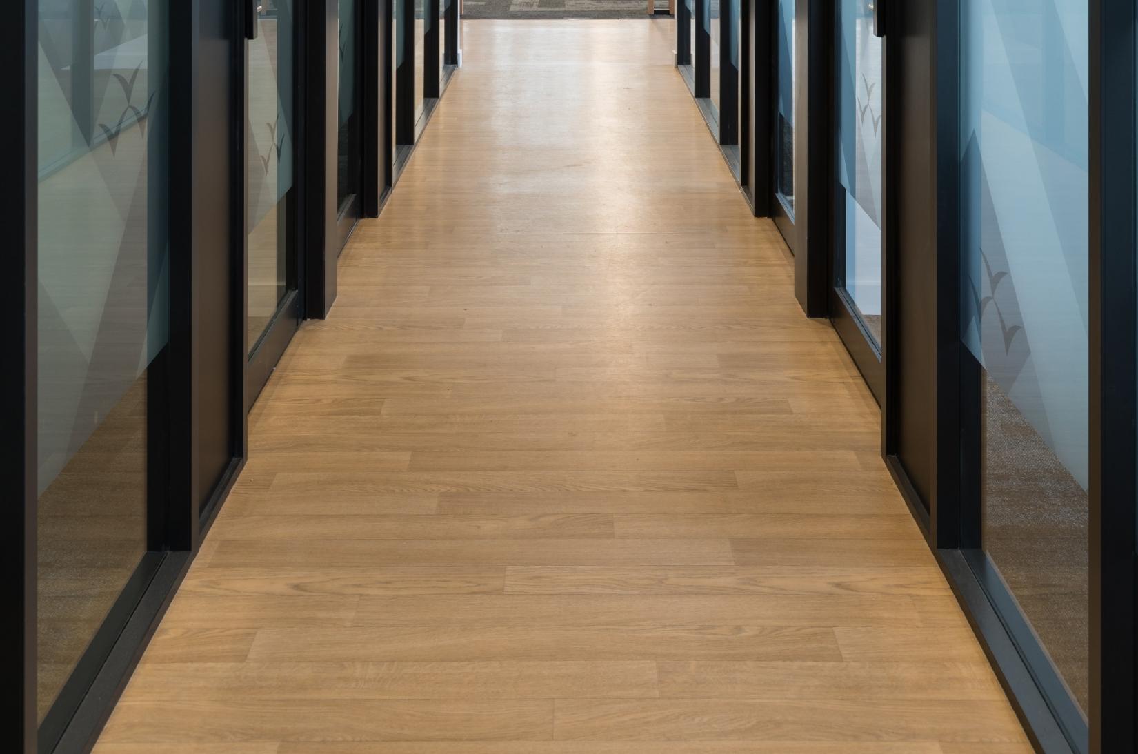 Taralay Initial Compact Vinyl Floor - Wood Look - MIT