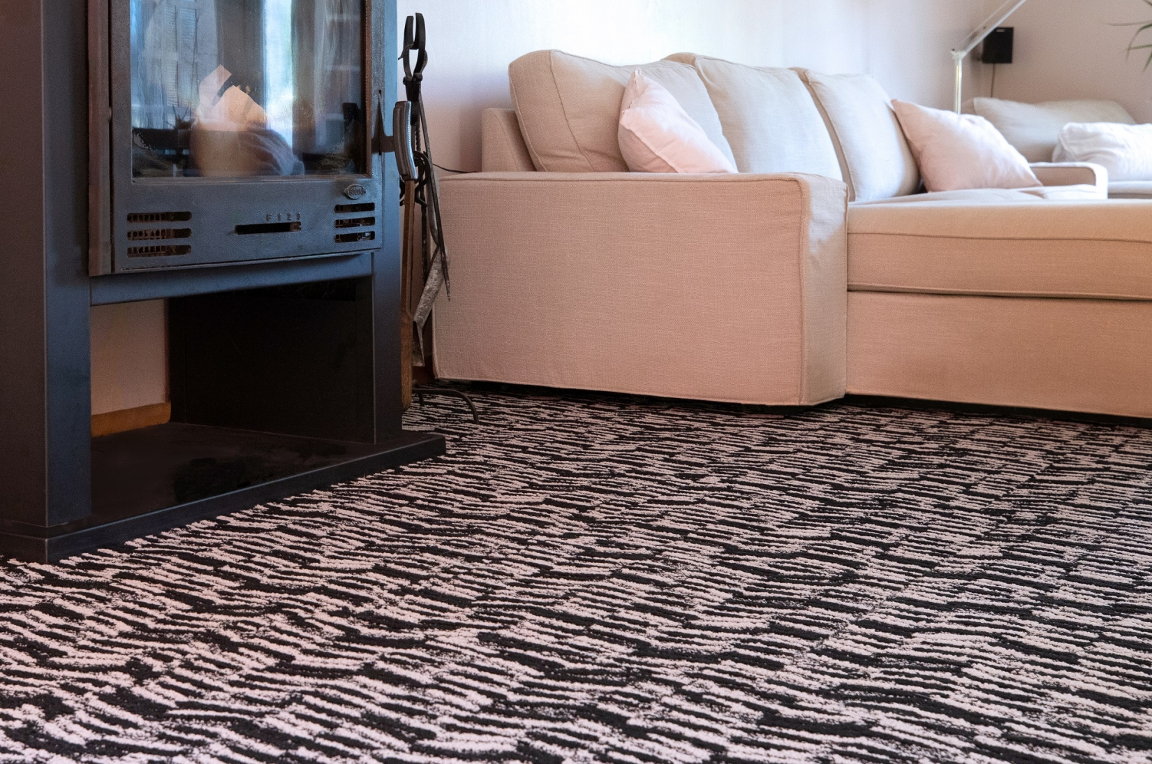 Reflet Carpet Tiles 592
